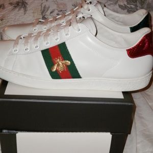 Gucci ace bee sneakers 100 %authentic